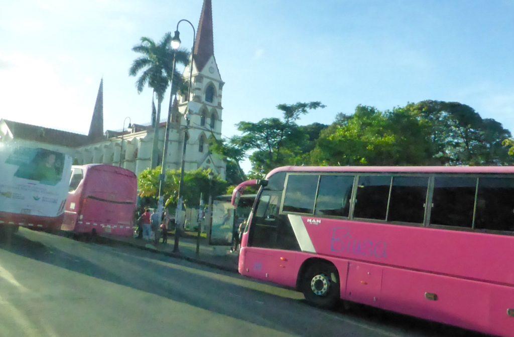 Costa-Rica-Bus_2