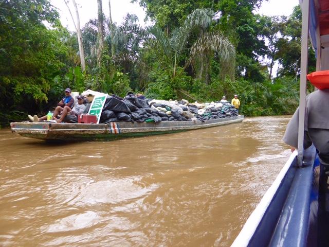 Costa-Rica-Mullschiff
