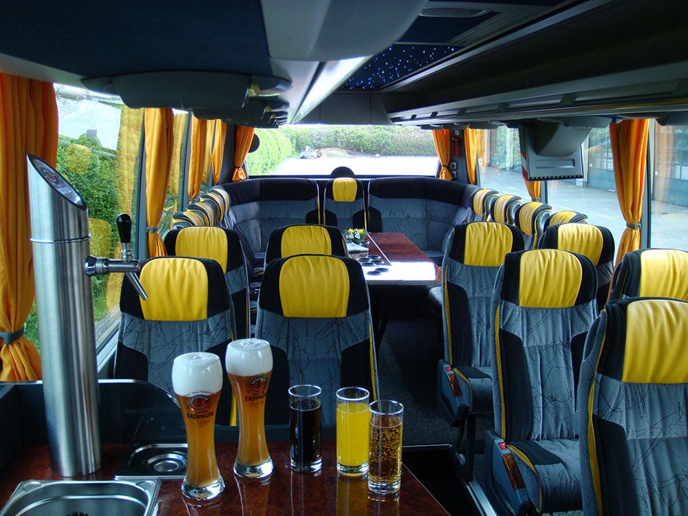 fernreisebus_mit_bierausschank_Bilder_06