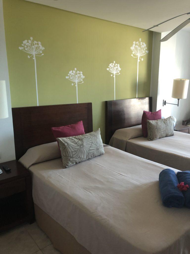 goldentulip_room